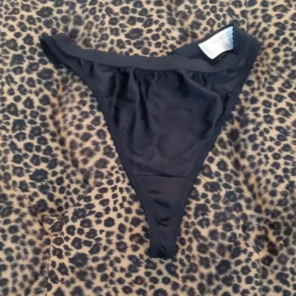 Vassarette Thong Panties Photos